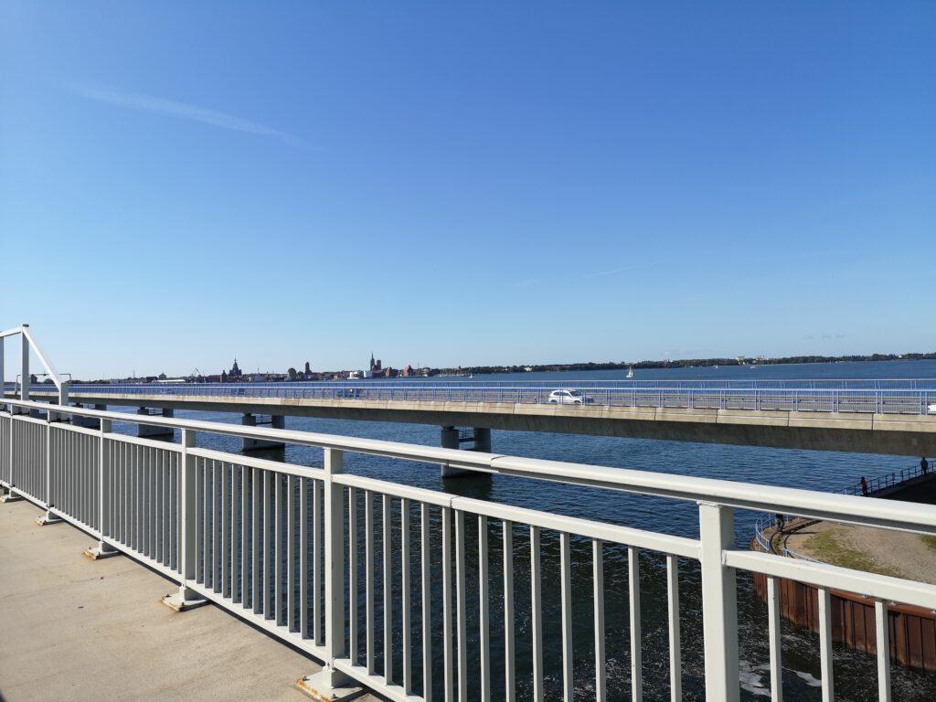Ruegendamm Blick auf Stralsund