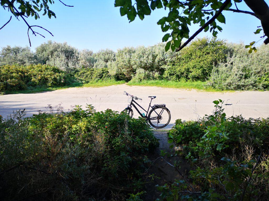 Fahrrad auf dem Bug auf Rügen