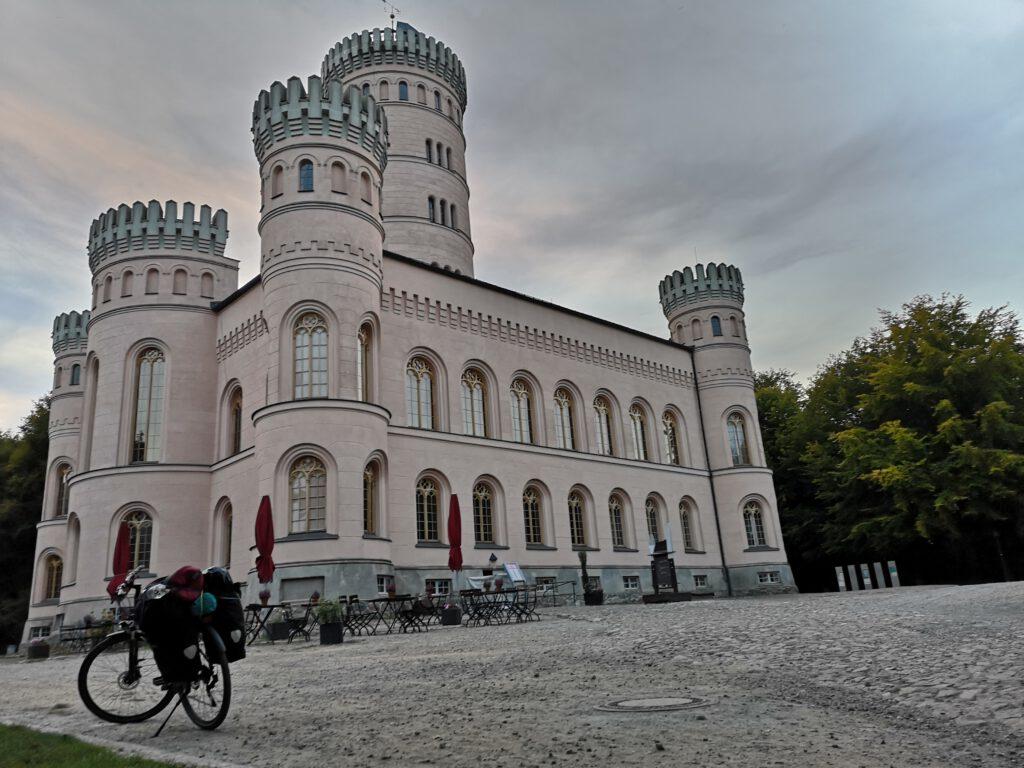 Jagdschloss Granitz Ruegen Rundweg Sassnitz nach Moenchgut