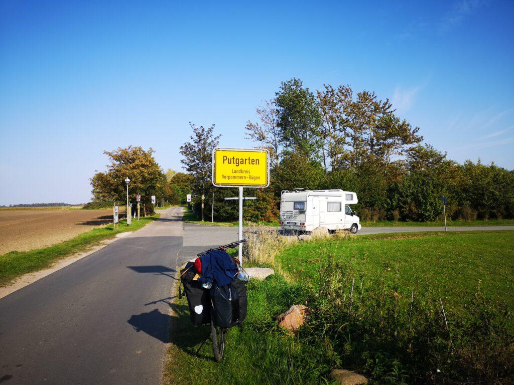 Putgarten Parkplatz Fahrrad Radtour Ruegenrundweg Dranske nach Vitt