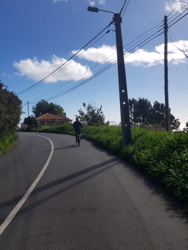 Fahrrad fahren auf Madeira auf den Strassen
